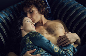 sam heughan, outlander, couple laying in bed