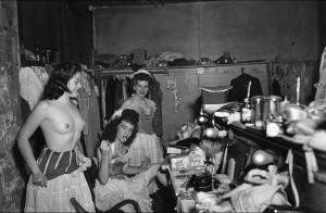 4th October 1950: Showgirls in a dressing room at a New Orleans Burly-Que. (Photo by Weegee(Arthur Fellig)/International Center of Photography/Getty Images)