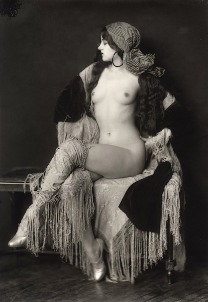 Alfred Cheney Johnston photography, ziegfeld girl posing naked with head wrap