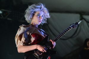 635911780306354471509555084_st.-vincent-female-guitar